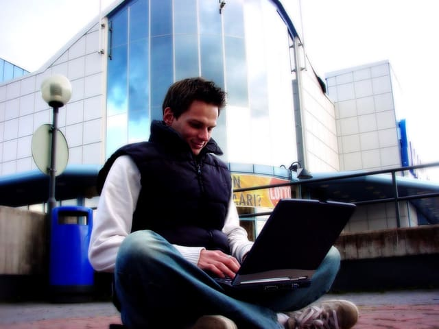 Best High Paying Tech Jobs That Don't Require Coding or Programming